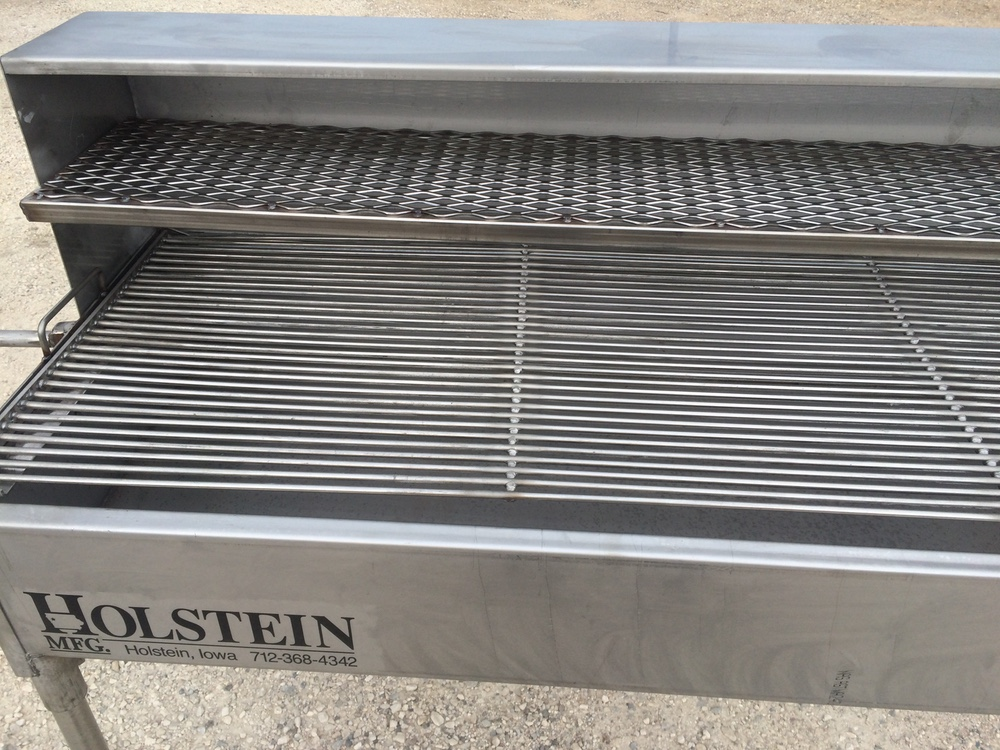 Grill with optional 1/2 hood with Holding & Warming Grate and the Stainless Steel Cooking Grate